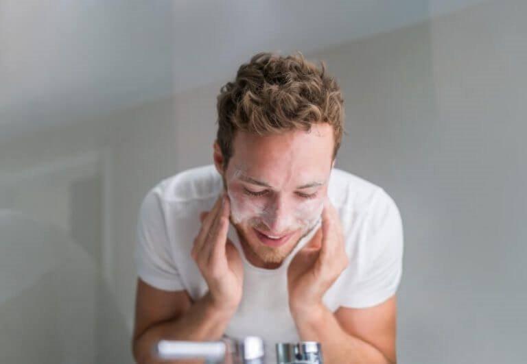 Bí quyết cải thiện làn da nhờn cho nam giới