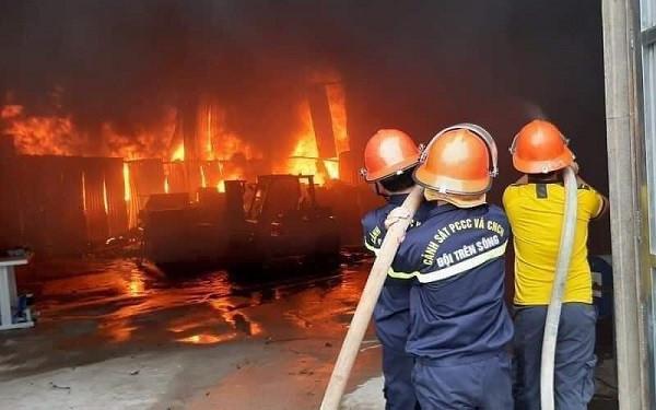 Nghệ An: Cháy lớn tại phòng trà ở TP Vinh lúc rạng sáng, 6 người thiệt mạng