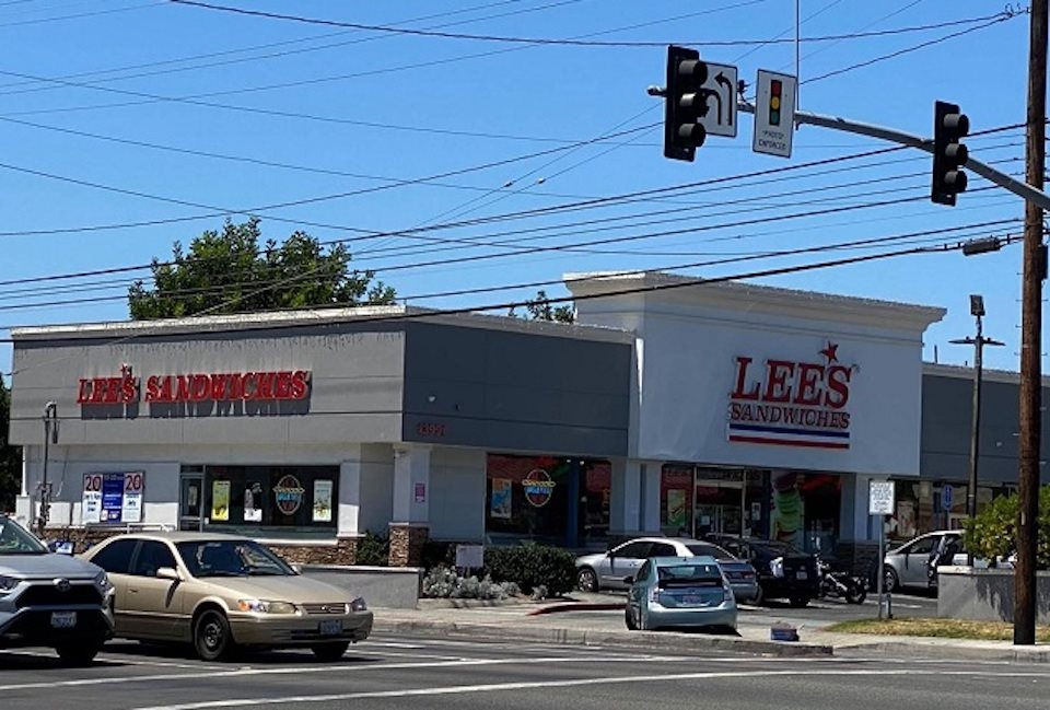 Đính chính bài viết về công ty Lee's Sandwiches