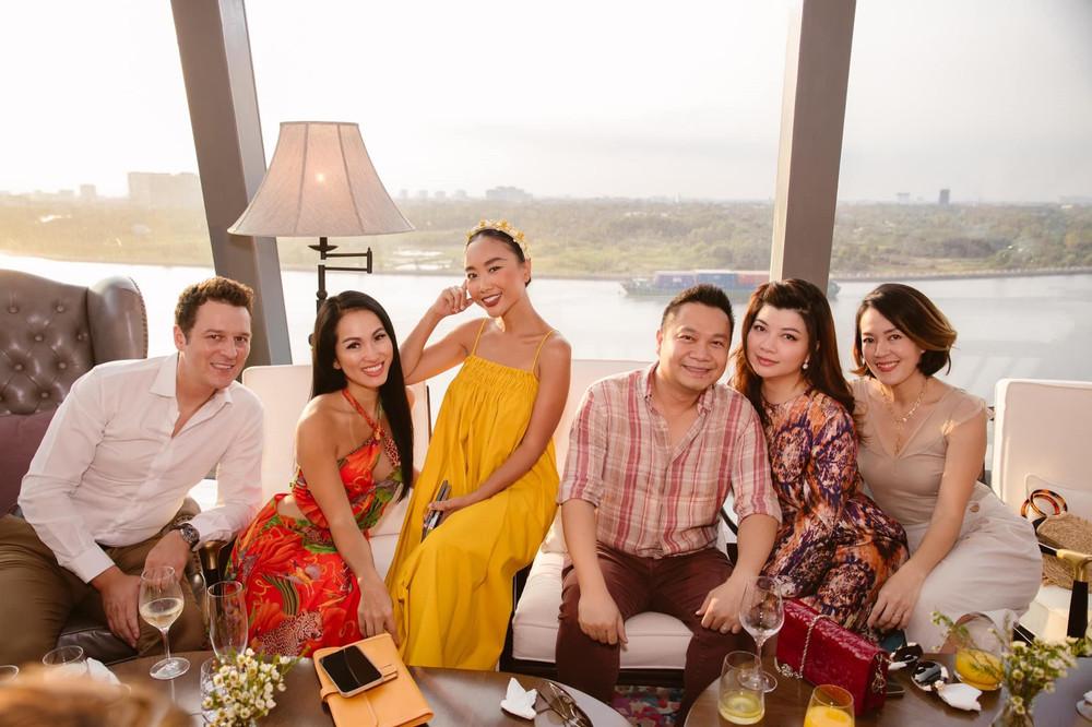 Đoan Trang: 'Tôi đang có một cuộc sống rất rực rỡ nhưng sẽ tạm gác để ủng hộ sự nghiệp của chồng'
