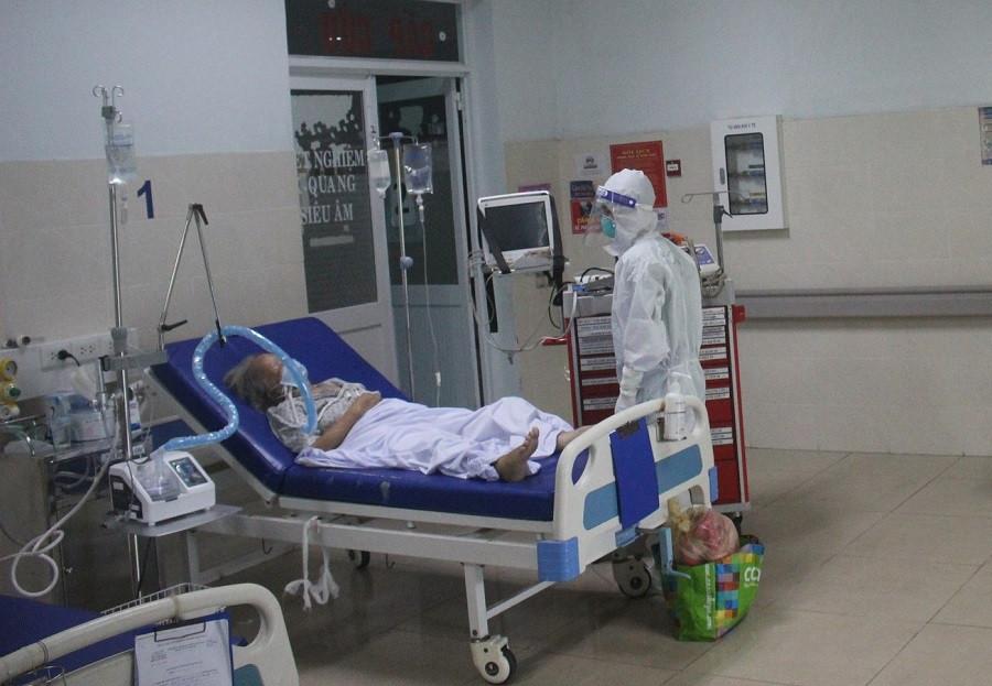 Bộ Y tế cam kết không thiếu máy thở, khí oxy, người dân không nên mua tích trữ