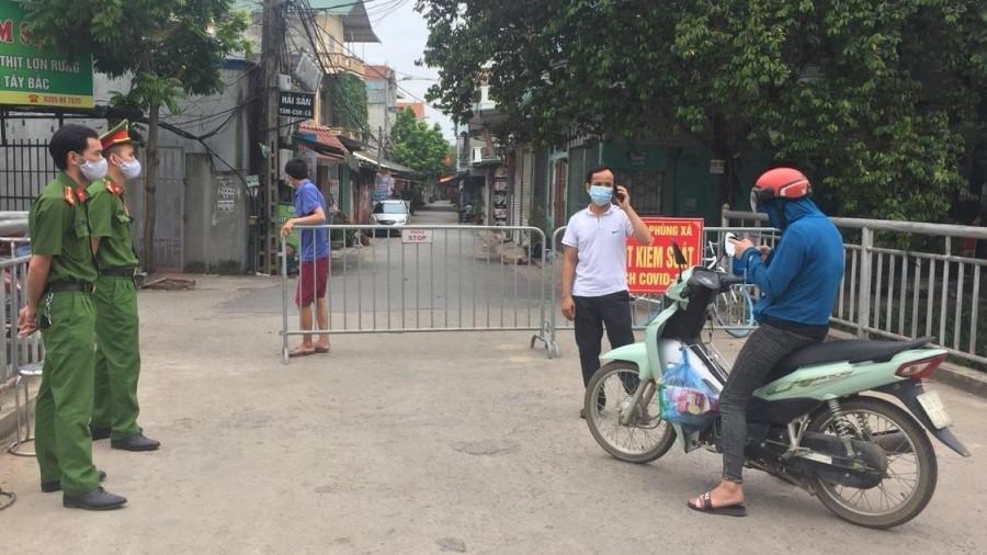 Truy tìm đối tượng tung tin bịa đặt Hà Nội có 3.000 chốt