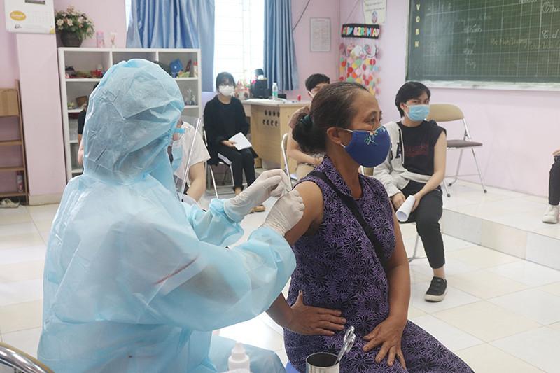 Ngày 14/9, Hà Nội thêm 25 ca nhiễm Covid-19, trong đó 1 ca cộng đồng
