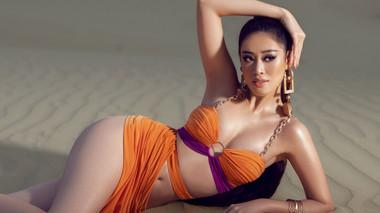 Mừng fanpage đạt 2 triệu người theo dõi, Khánh Vân tung bộ ảnh nóng hổi trên đồi cát