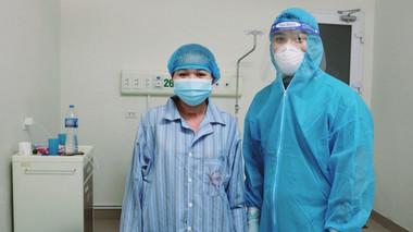 Bệnh nhân Covid-19 nguy kịch mang thai 35 tuần được cứu sống thần kỳ cả mẹ và con sau 9 lần lọc máu