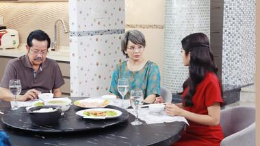 Hoài An phản đối kịch liệt việc NSND Thanh Nam nhận lại con riêng trong 'Bánh Mì Ông Màu'