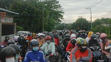 Đồng Nai: Hàng trăm công nhân đang thực hiện cách ly xin về quê