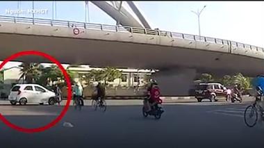 Ô tô tông xe máy, 1 người bị thương nặng