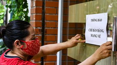Hà Nội: Từ 12h00 ngày 16/9, một số địa bàn được mở trở lại dịch vụ ăn uống, nhưng chỉ bán mang về