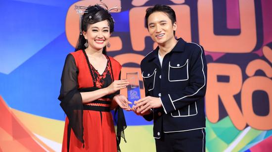 Phan Mạnh Quỳnh và Phương Lan cùng đoạt cúp 'Ơn giời! Cậu đây rồi'