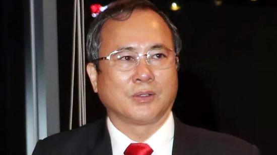 Bắt tạm giam nguyên Bí thư Tỉnh ủy Bình Dương Trần Văn Nam
