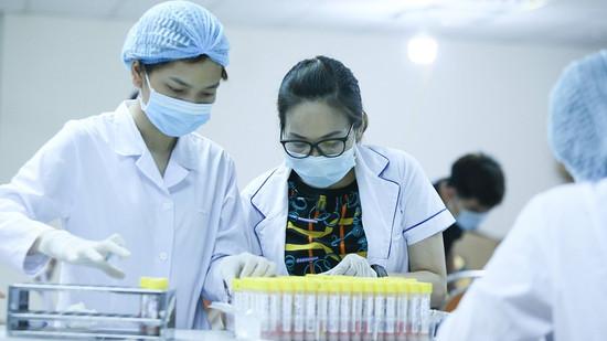 Hà Nội: 1 ngày có hơn 200 người ho, sốt trong cộng đồng, chờ xét nghiệm Covid-19