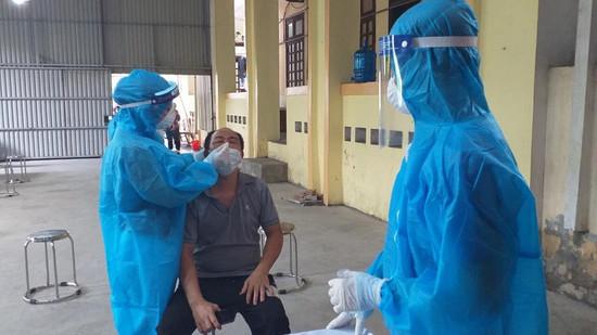 Hà Nội đã lấy 177.924 mẫu xét nghiệm SARS-CoV-2 tại nơi nguy cơ cao