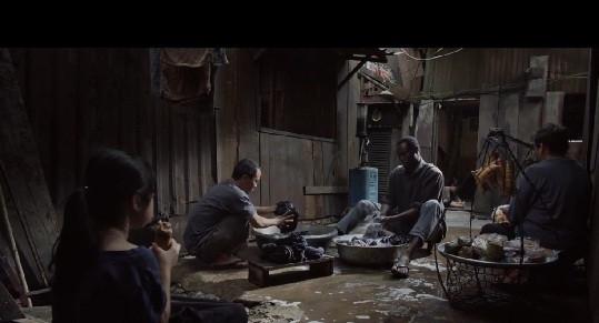 Phim đoạt giải bị cấm phổ biến tại Việt Nam: Độ vênh chưa được rút ngắn